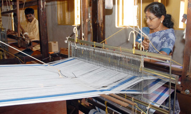 Govt. ups incentives for handloom, garment exports through e-commerce
