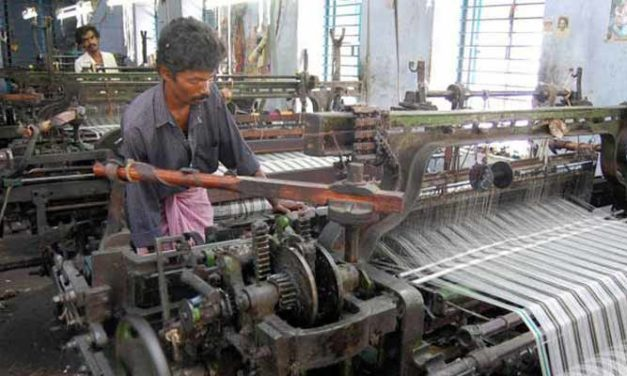 Power loom owners from Erode against imposition of import duty on yarn