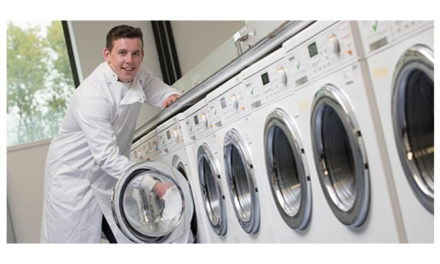Washing clothes on delicate setting more environmentally damaging